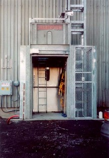 permanently installed hoist for power plant