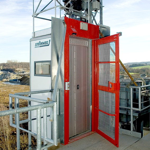 Industrial Lift Gate : Industrial lift sales lifts for sale